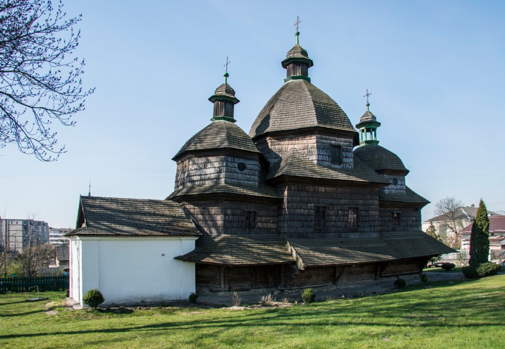 Church-of-Holy-Trinity-in-Zhovkva-(1720)